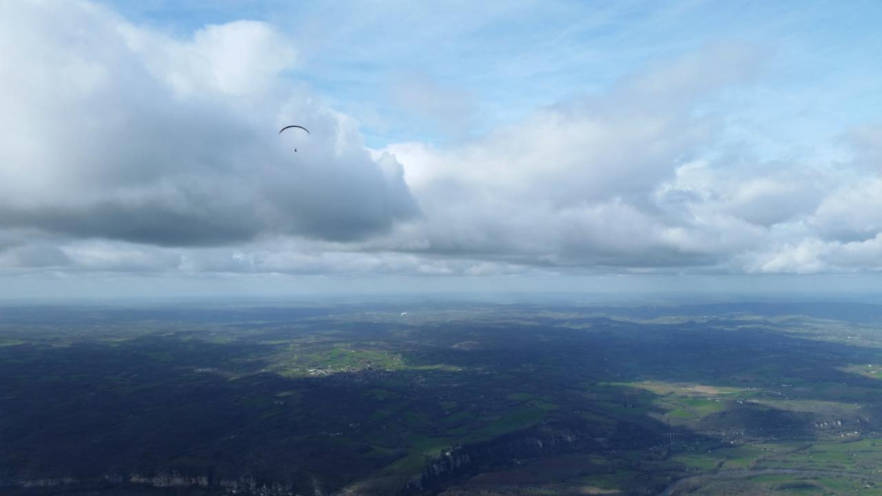 Parapente-Lot-Sous-les-nuages-2